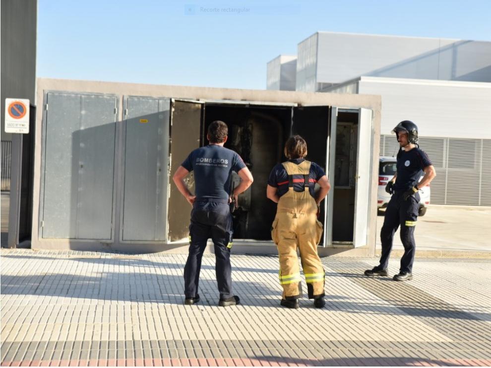 Incendio en un transformadorubicado en la calle Calatayud de Huesca