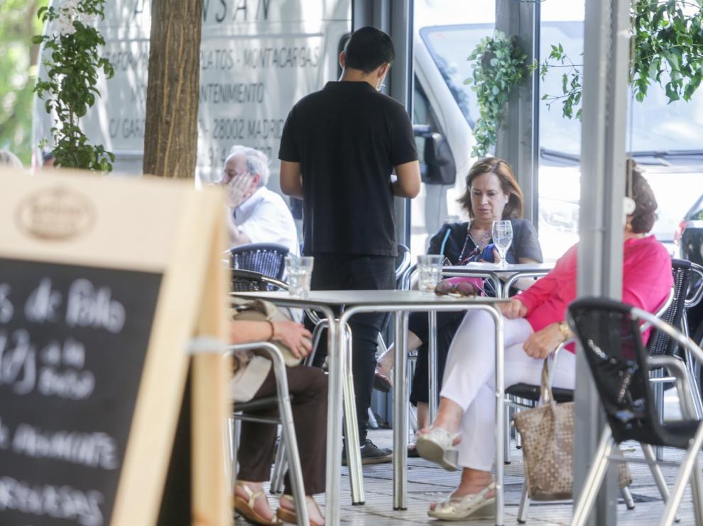 Nuevo repunte de contagios en España, 628 en 24 horas elevan a 5.695 los casos en 7 días