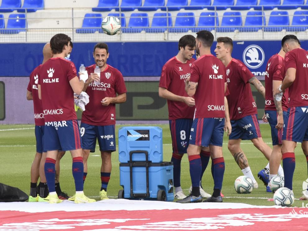 El Huesca marca pero no cierra la puerta