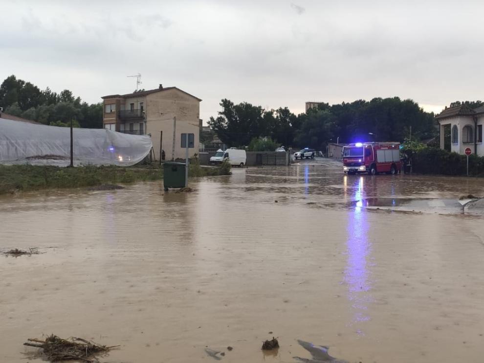 La tormenta causa numerosos destrozos en Barraón y la zona de la Ronda Norte de Barbastro