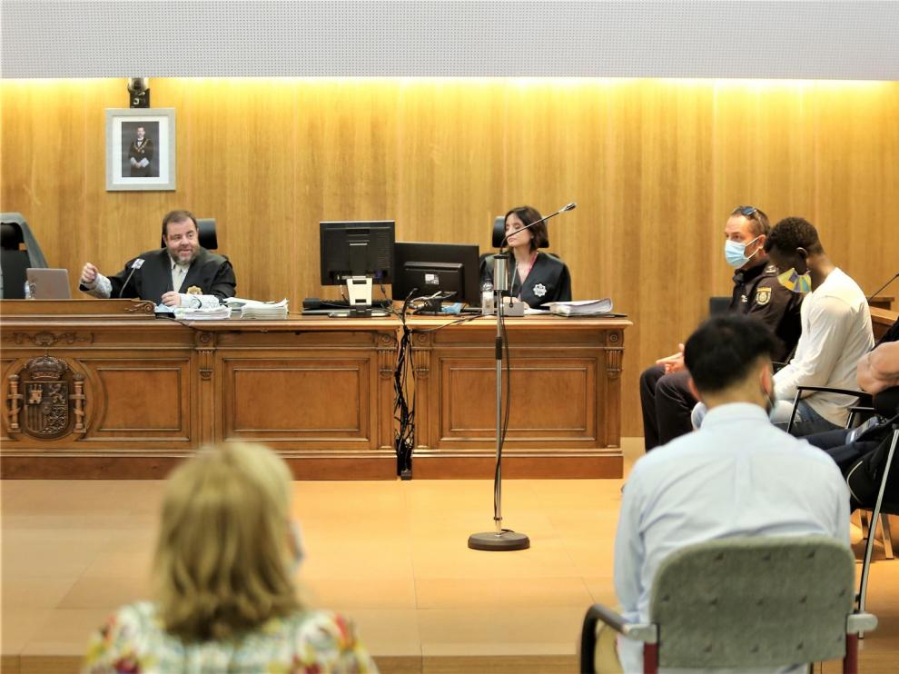 El jurado considera culpable de asesinato al acusado que asestó más de 90 puñaladas a su expareja en Monzón