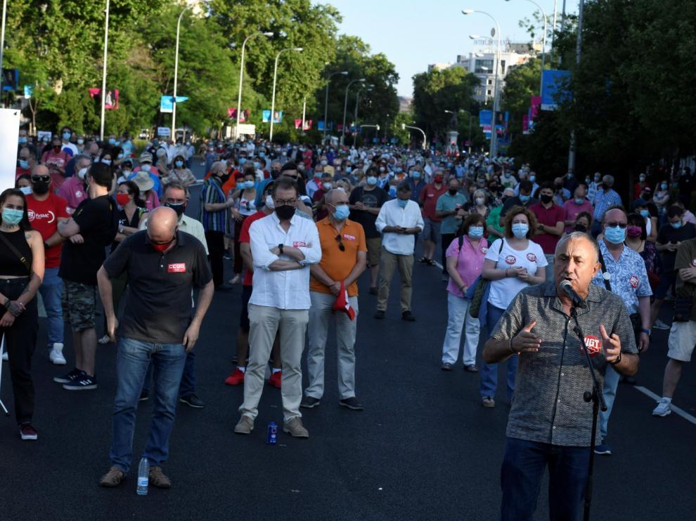 Miles de personas piden un gran pacto para la reconstrucción social