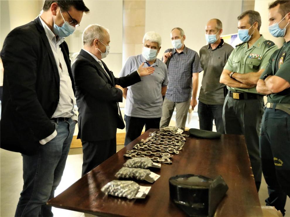 Los refugios de montaña de Huesca donan su premio Félix de Azara a los grupos de rescate de la Guardia Civil