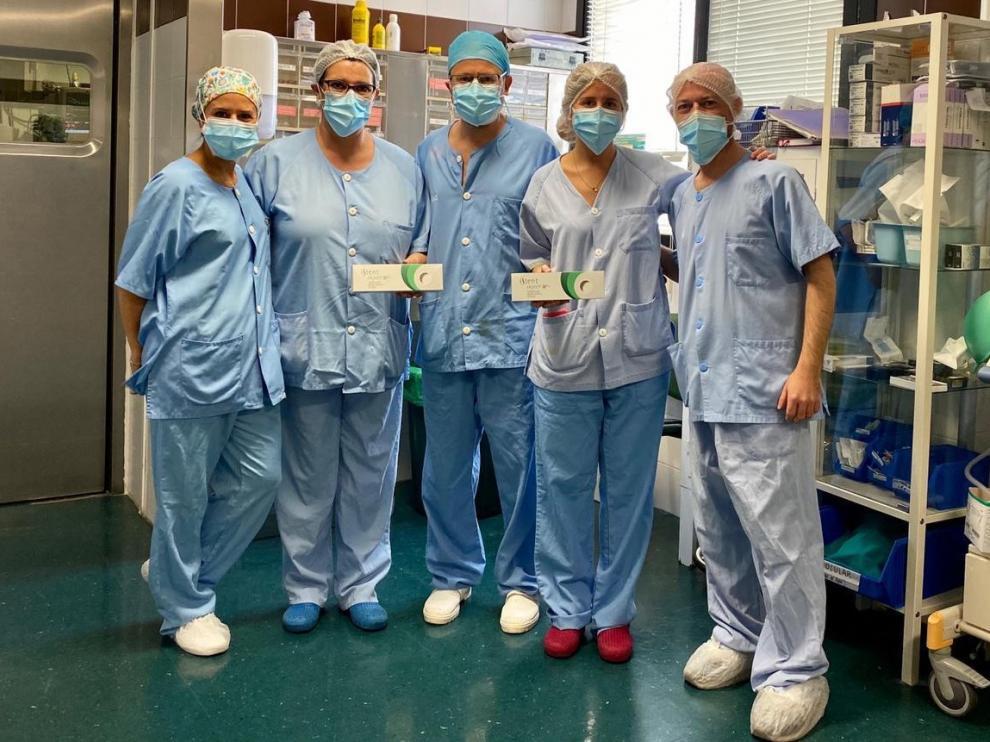 El Hospital Clínico incorpora un nuevo implante para tratar el glaucoma