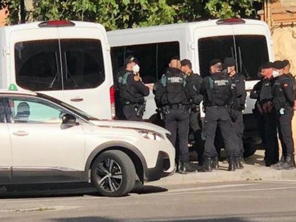 Mucha expectación en Monzón ante un gran operativo de la Guardia Civil