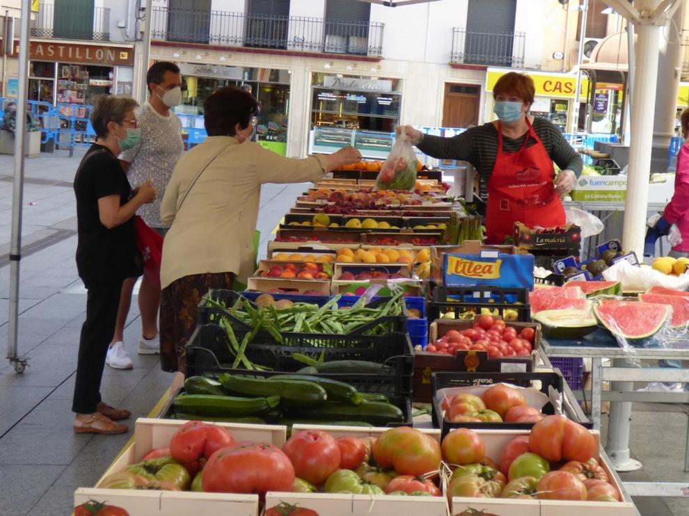 Barbastro amplía los aforos en los tres mercados que celebra