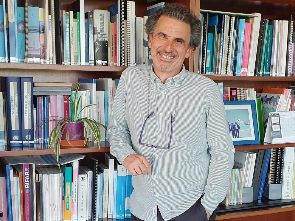 """Francisco Javier Falo: """"La recuperación tiene un riesgo, pero la sanidad está mucho más preparada"""""""