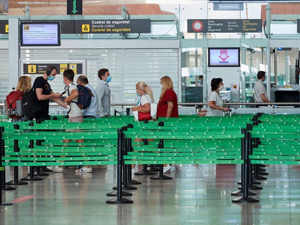 España reabre sus fronteras a 12 países extracomunitarios