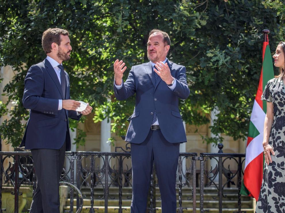 Casado y Arrimadas piden el voto para PP+Cs en Euskadi