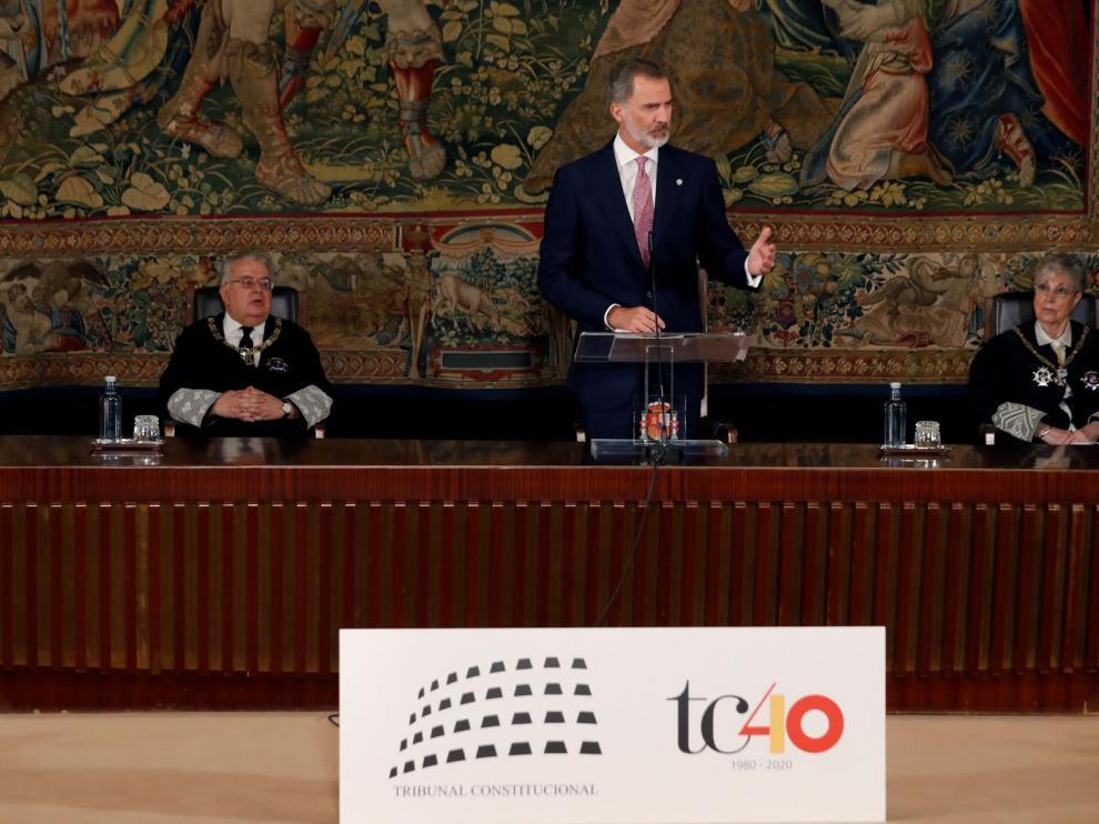 """El rey pide """"consideración y respeto"""" al Tribunal Constitucional por su aportación a la democracia"""