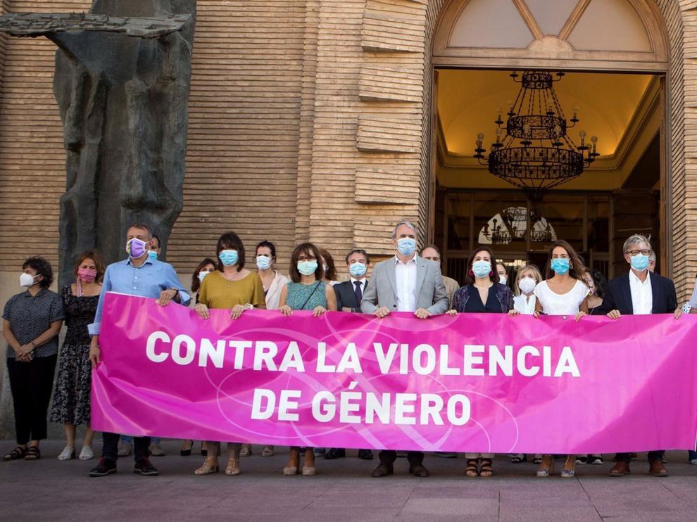 Acto de repulsa contra la agresión sexual a una joven en Zaragoza