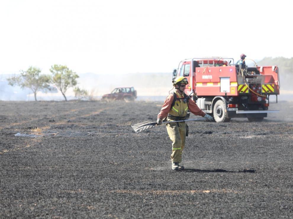 La chispa de una empacadora ha provocado un incendio en Banariés que ha afectado a 8,5 hectáreas