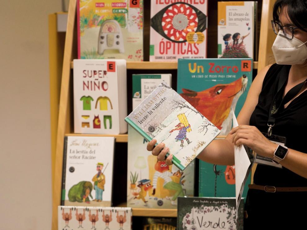 """Sandra Araguás cuenta una historia """"de brujas"""" en su último libro"""