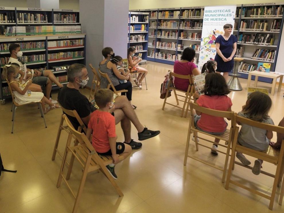 Los grupos de lectura y escritura atraen a 400 personas