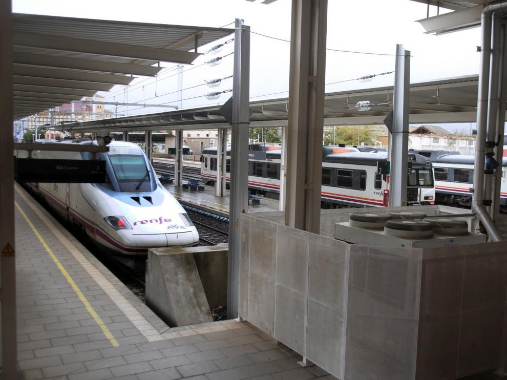El PP y el PAR presentan iniciativas en el Senado para que Huesca recupere los trenes AVE