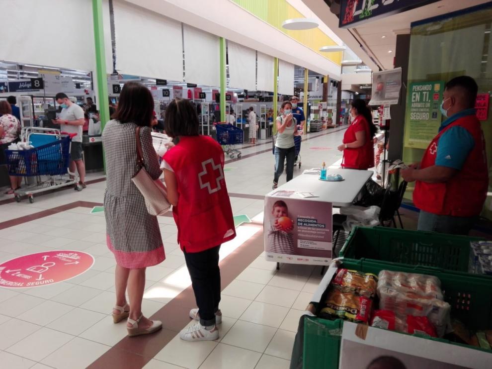 Cruz Roja Huesca distribuye más de cinco mil kilos de alimentos a familias en dificultad social