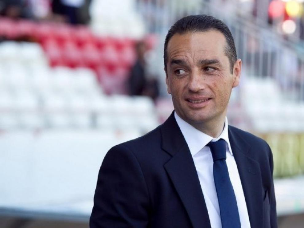 """Oltra, entrenador del Rácing: """"Vamos a salir a ganar y a intentar hacer un buen partido"""""""