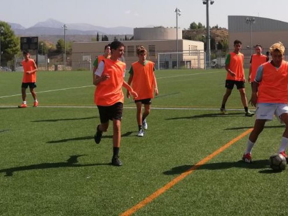 Investigadores del Campus de Huesca revisan en un libro las nuevas estrategias docentes en Educación Física y formación deportiva
