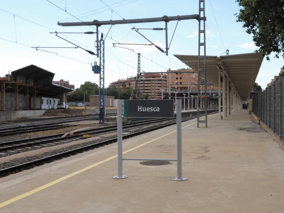 Los diputados del PSOE de la provincia de Huesca preguntan por las líneas de tren