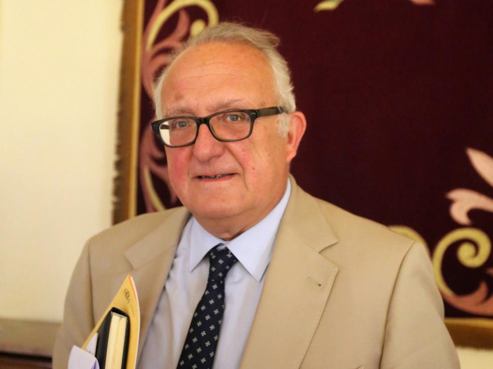 Francisco Pascau pone fin en Huesca a un largo trayecto al servicio ciudadano