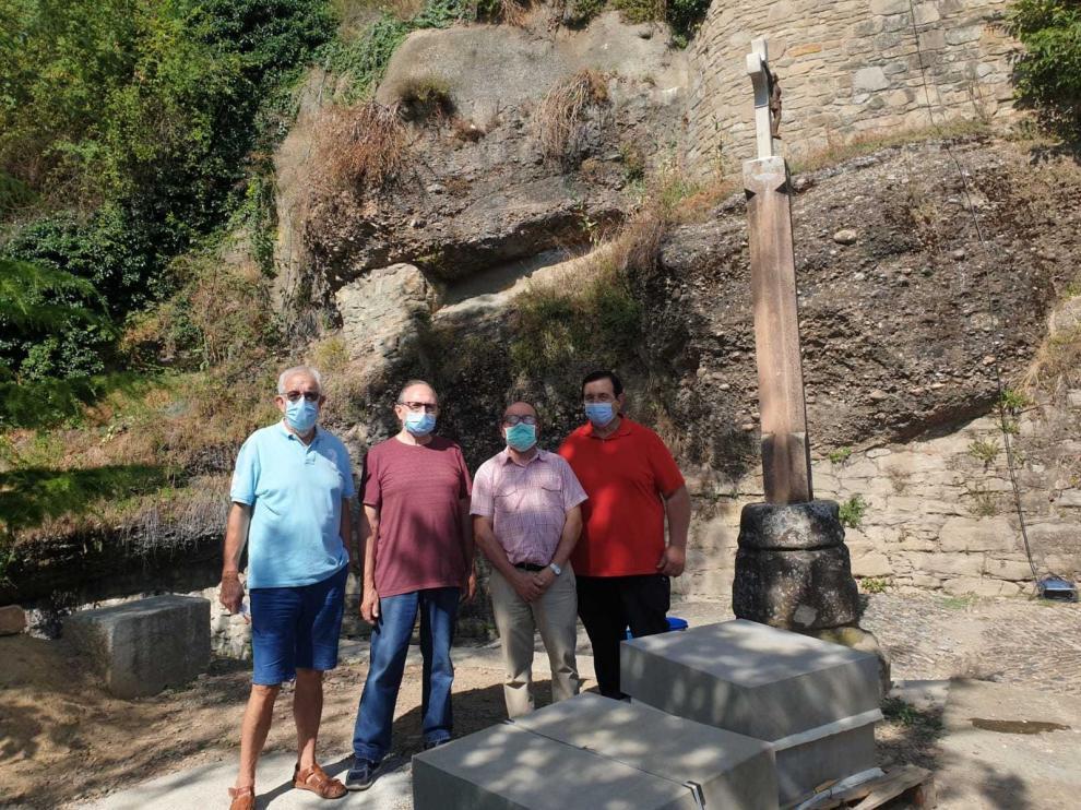 Un crucero de Jesús Abizanda sustituirá a la cruz de término de Graus