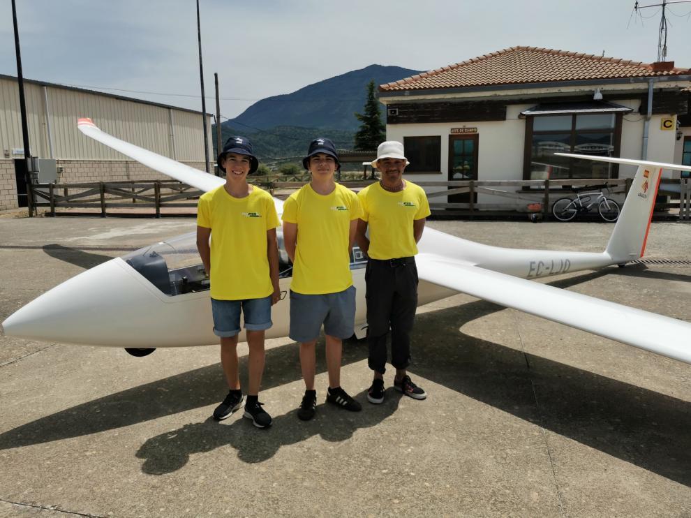 El aeródromo de Santa Cilia forma a los pilotos más jóvenes del país de vuelo sin motor