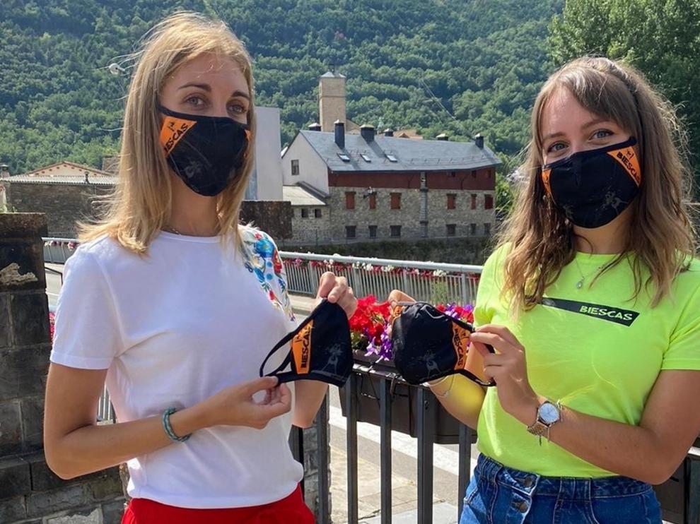 Biescas pone a la venta mascarillas solidarias