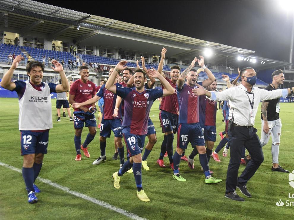 Aluvión de felicitaciones al Huesca por el ascenso