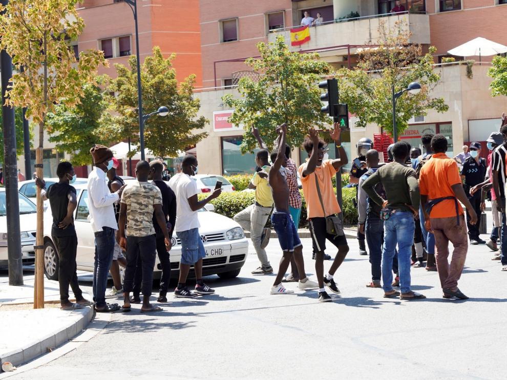 Refuerzan la vigilancia del asentamiento de Albacete afectado por covid tras los incidentes protagonizados por temporeros