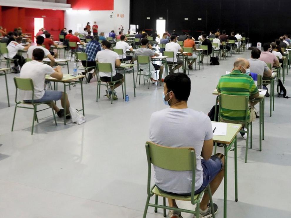 El 58 % de los aspirantes a oficiales de bomberos se presenta al examen