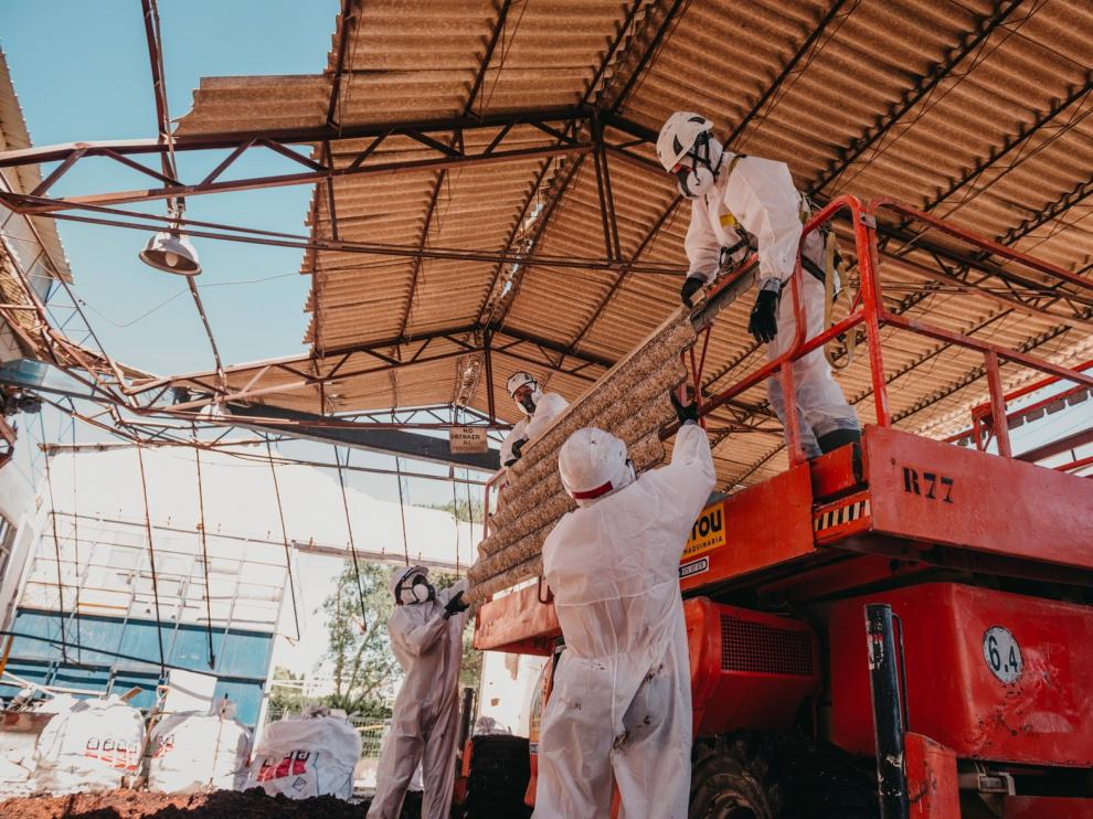 """Piden a Sanidad una Ley contra la """"pandemia del amianto"""""""
