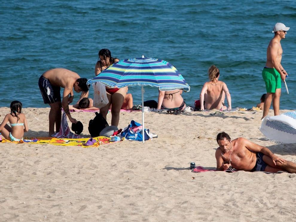 Barcelona reducirá el aforo de las playas en un 15%, unos 8.000 usuarios menos