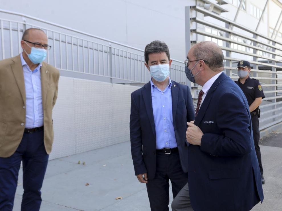 Lambán dice que ni su Gobierno, ni el de España contemplan un confinamiento en Aragón