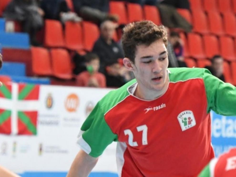 BM Huesca incorpora al lateral Paul Alonso, una apuesta de futuro