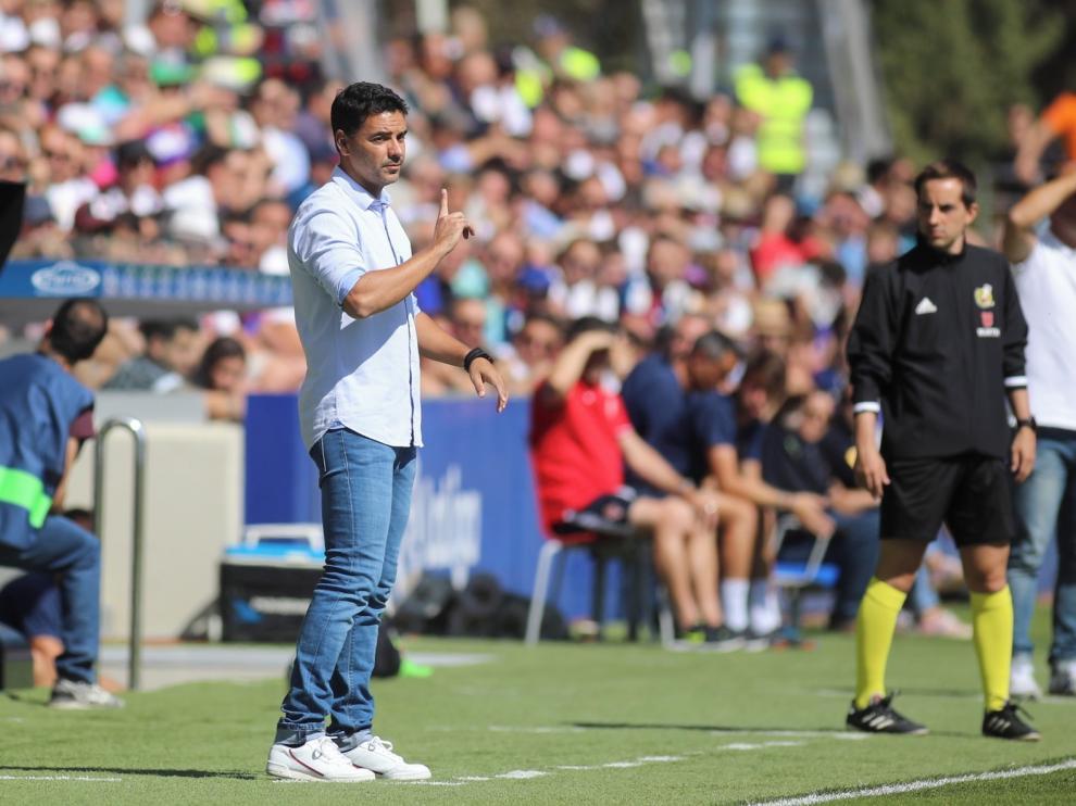 El Huesca hace oficial la renovación de Míchel