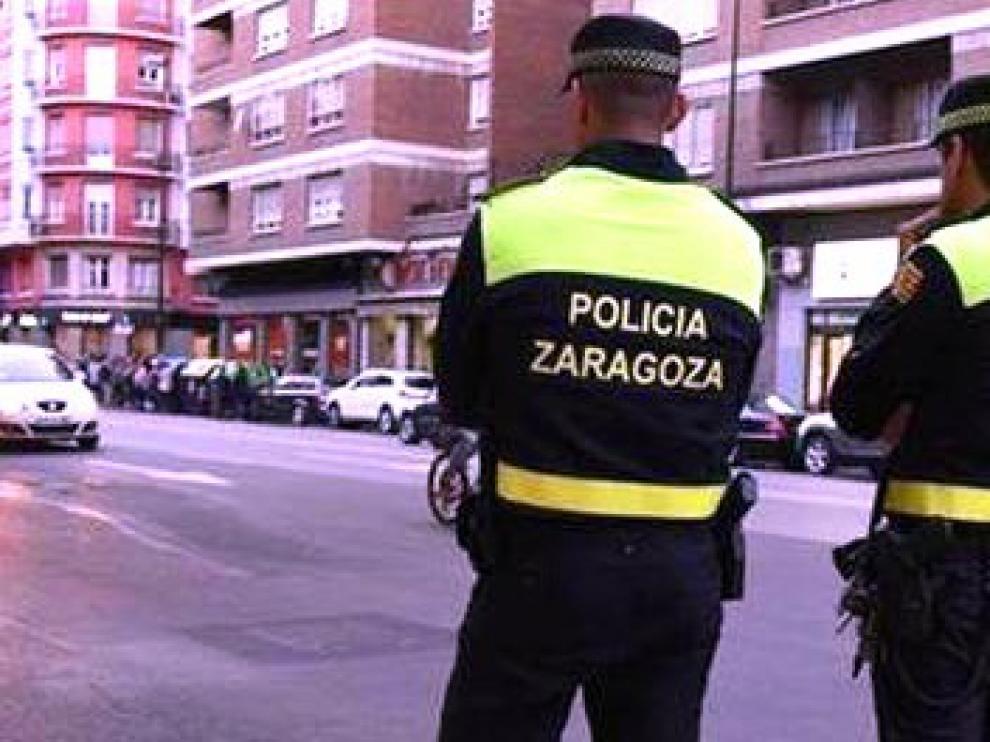 Detenida una madre y su hijo por una agresión mutua en su casa en Zaragoza