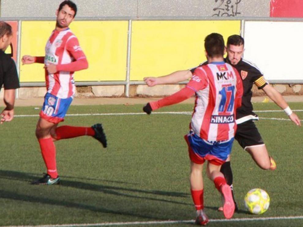 El Monzón recupera a Llopis y Brezmes y apuntala su defensa con Pedro Ángel