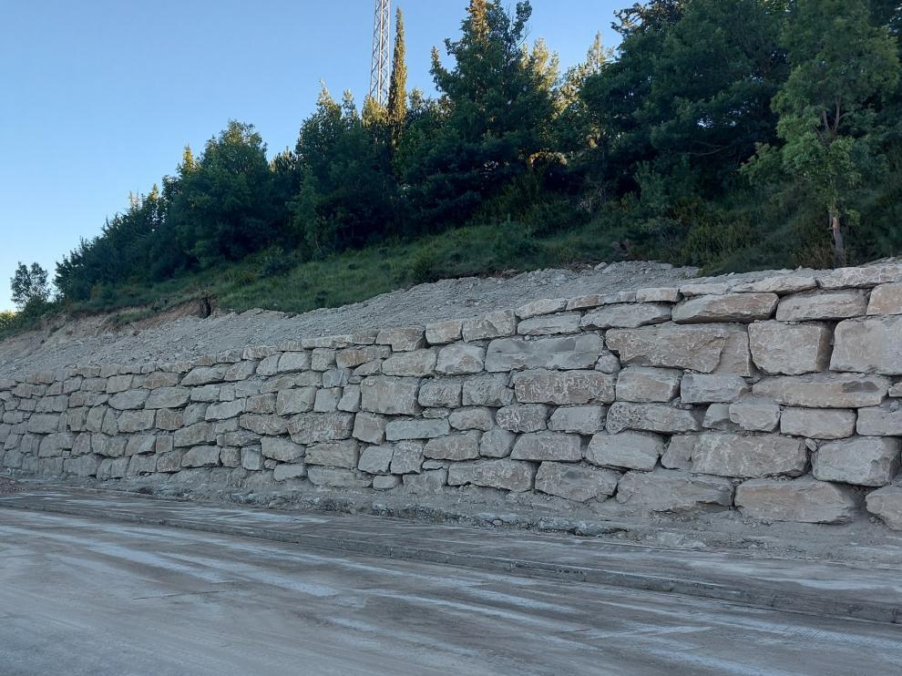 Sabiñánigo abre el vial de acceso a la zona deportiva La Corona