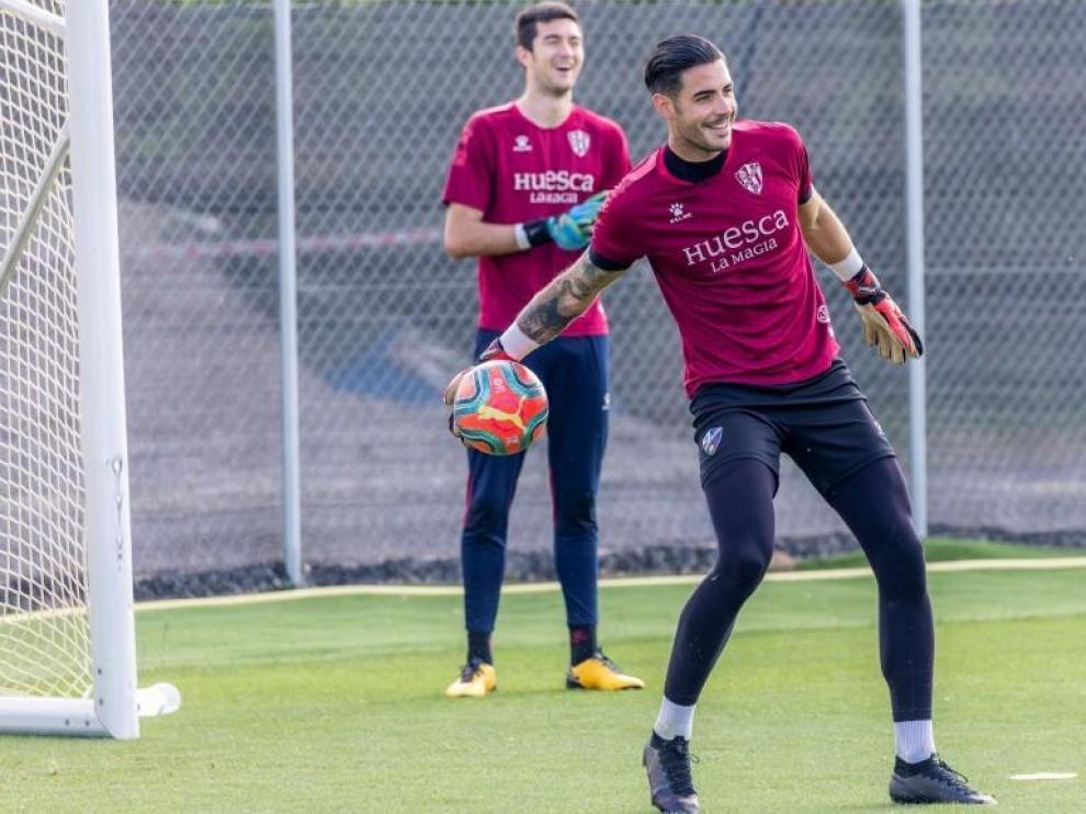 El Huesca renueva al guardameta Antonio Valera