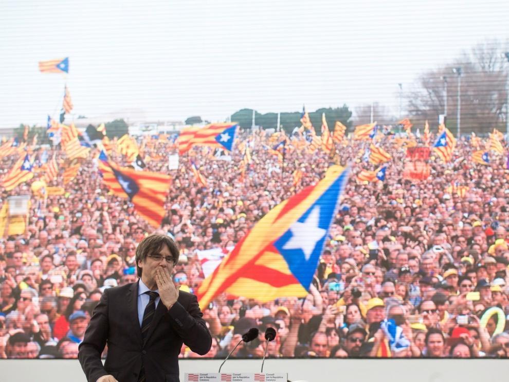Puigdemont abre desde la distancia el congreso fundacional de JxCat