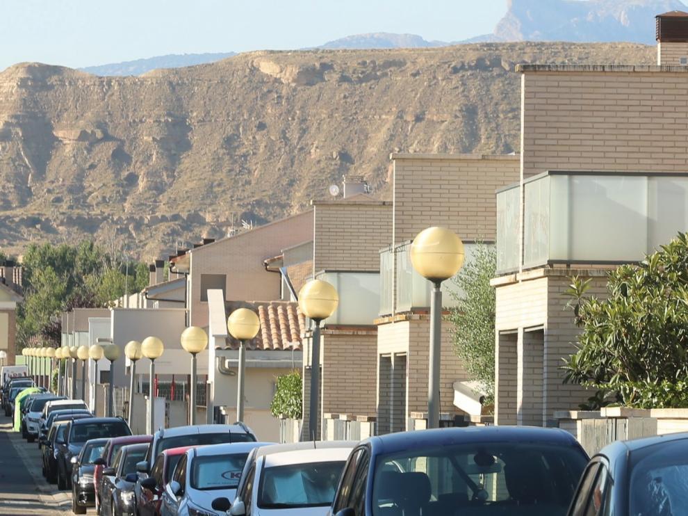 Se buscan pisos con terraza y casas con jardín fuera de Huesca