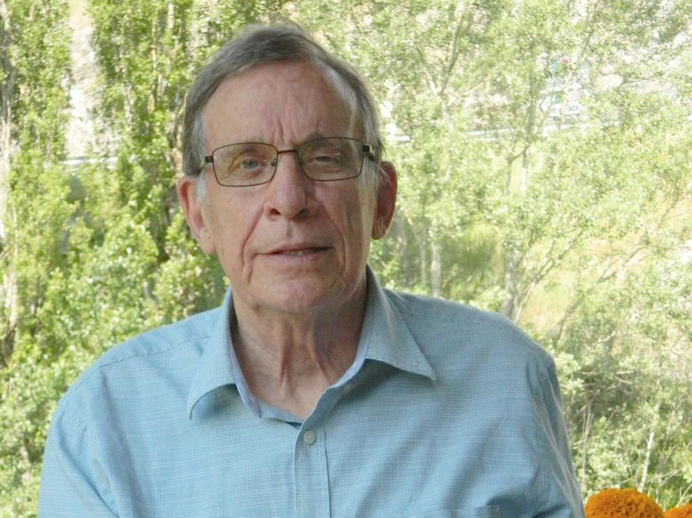 Miguel Cortés publica un libro inspirado en Villanúa