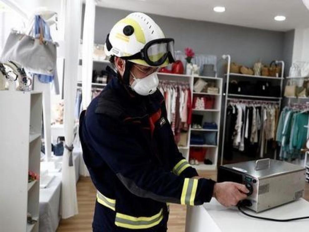 La Universidad de Zaragoza trata de probar si el ozono desinfecta la ropa de coronavirus