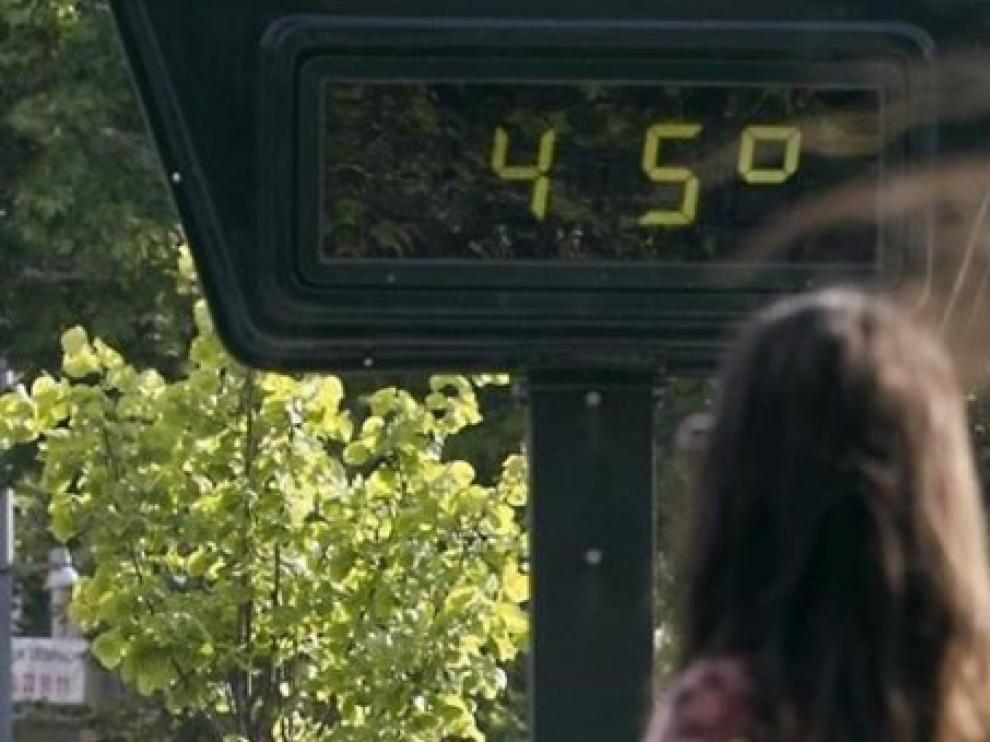 El calor roza su punto álgido con toda España en aviso y máximas de 42 grados
