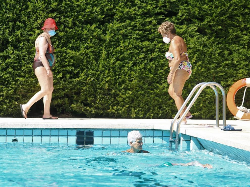 Normalidad en la piscina de Ruiseñor de Huesca tras su reapertura