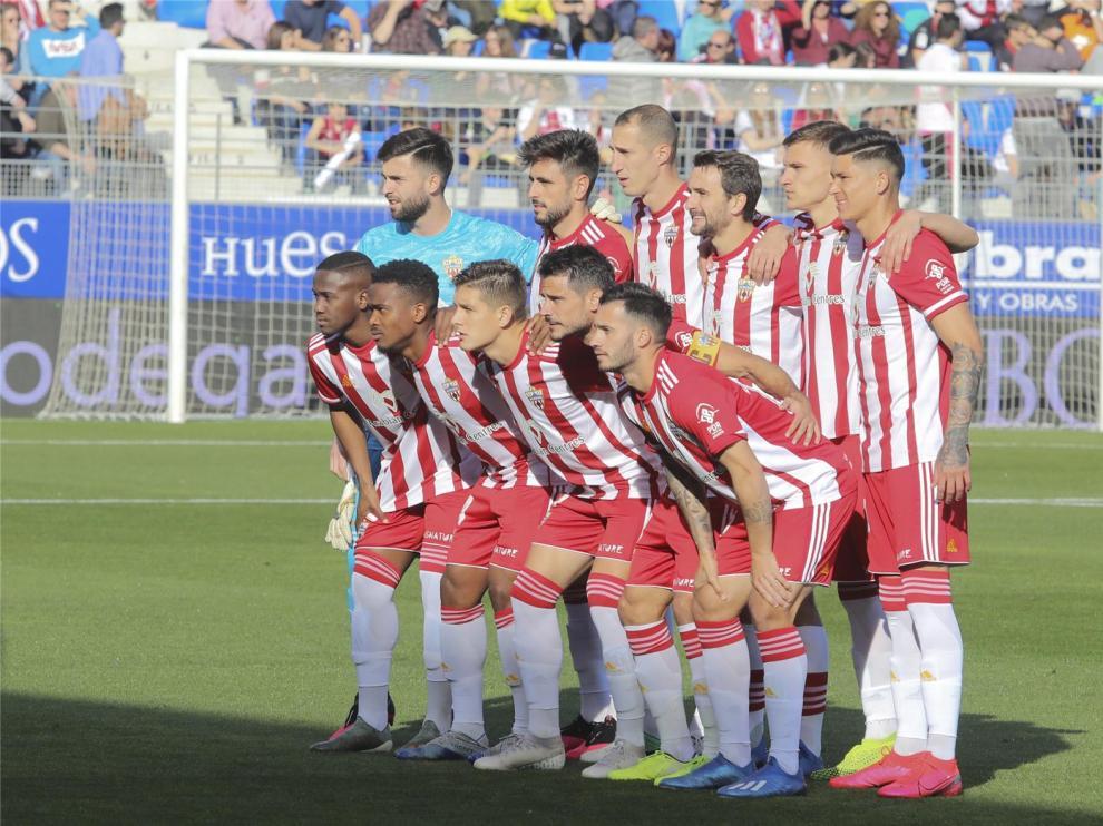 El Almería anuncia un positivo de un miembro del equipo