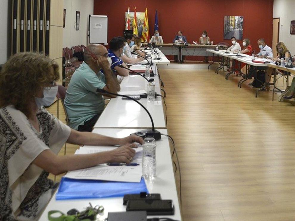 El ayuntamiento de Barbastro reanuda las sesiones presenciales y celebra un pleno en el Centro de Congresos