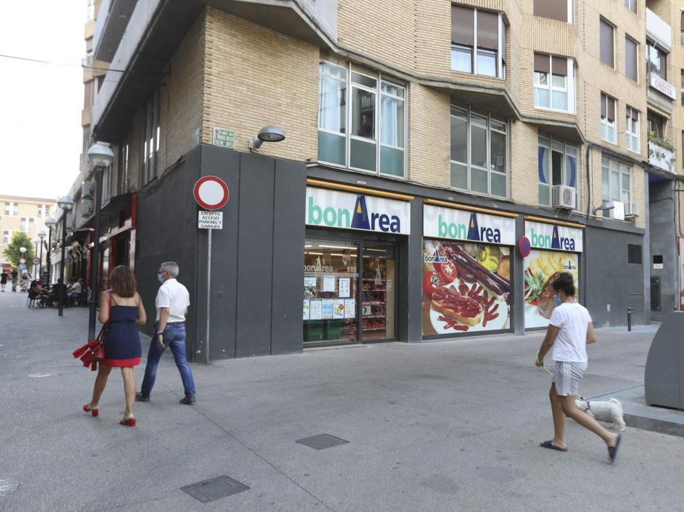 Robo con violencia en la tienda de Bonárea de Manuel Bescós