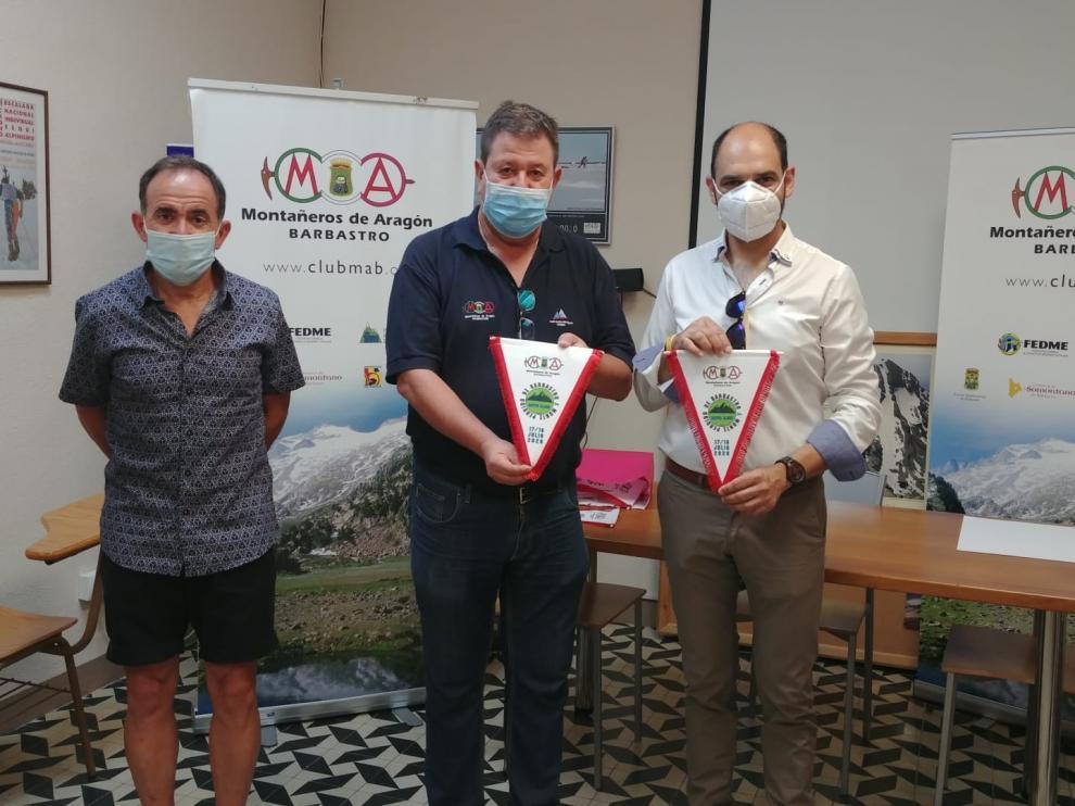 La expedición solidaria Reto 3355-Monteperdido recauda 2.670 euros para la AECC de Barbastro
