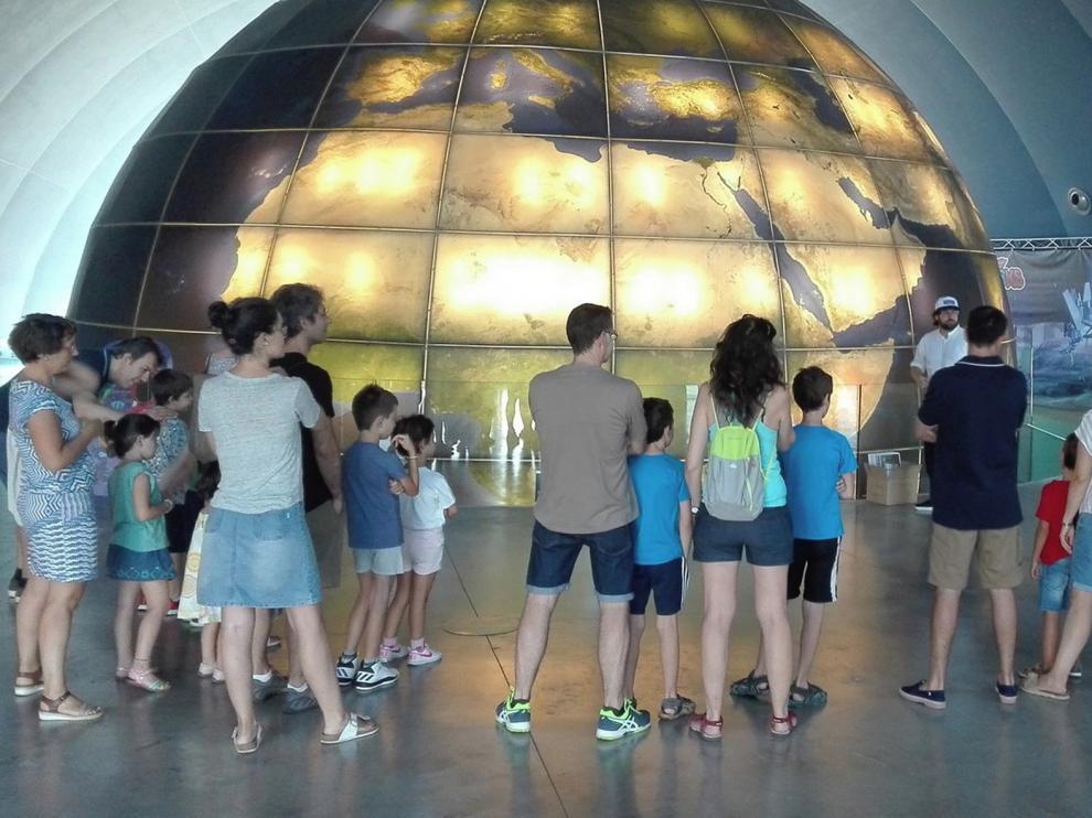 El Planetario de Aragón reabrió este viernes sus puertas al público